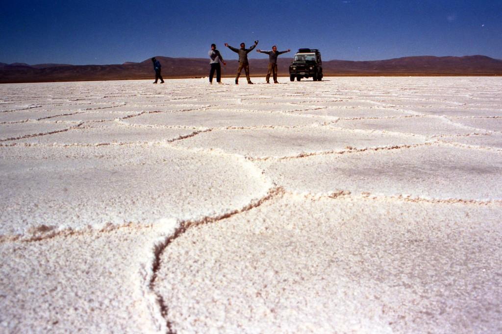 Las Salinas Grandes de Salta (Argentina) cautivan al viajero por su belleza simple.