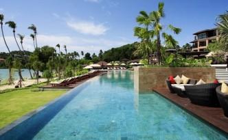 El Radisson Blu Plaza Resort se encuentra en la playa tailandesa de Phuket.