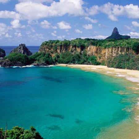 1. Bahía de Sancho Fernando de Noronha (Brasil).