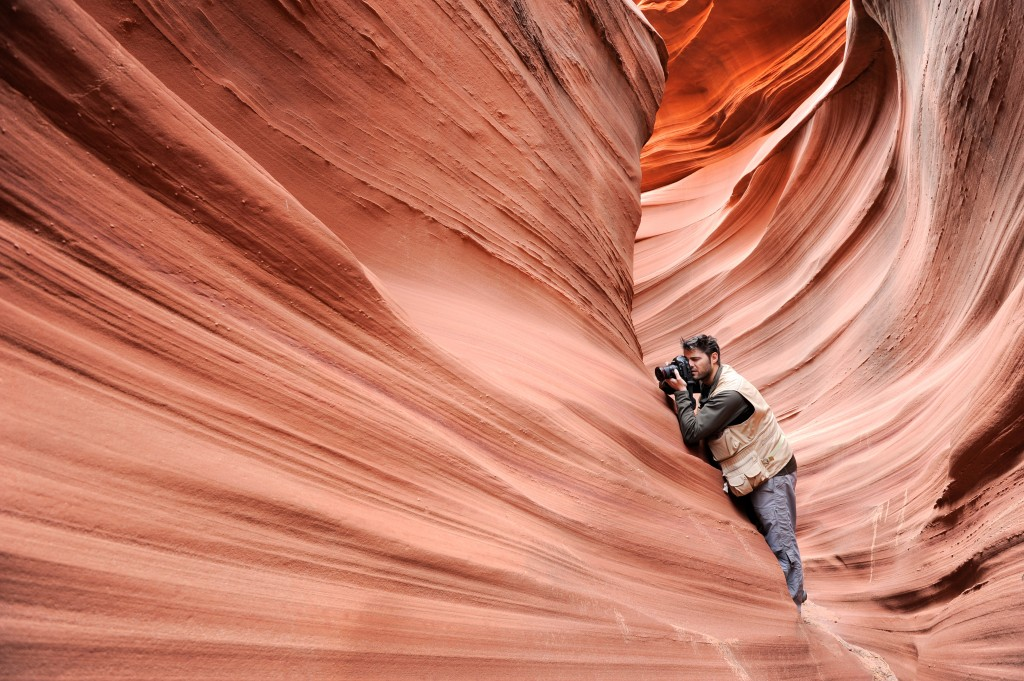 Roberto Iván Cano es fotógrafo y coautor de este libro fotográfico.