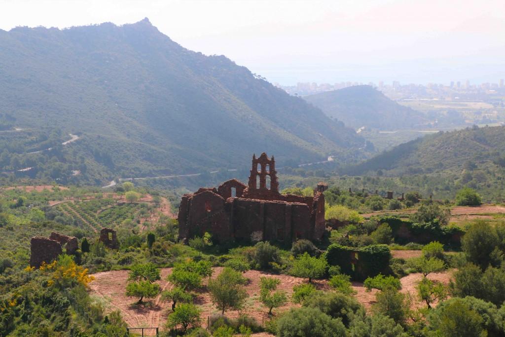 El monasterio en ruinas del Desierto de las Palmas de Benicàssim (Castellón).