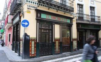 Una placa atestigua en el interior del bar que El Rinconcillo fue fundado en 1670.