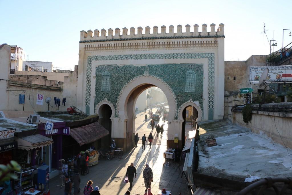 La Puerta Azul vista desde el interior de la Medina se convierte en verde.