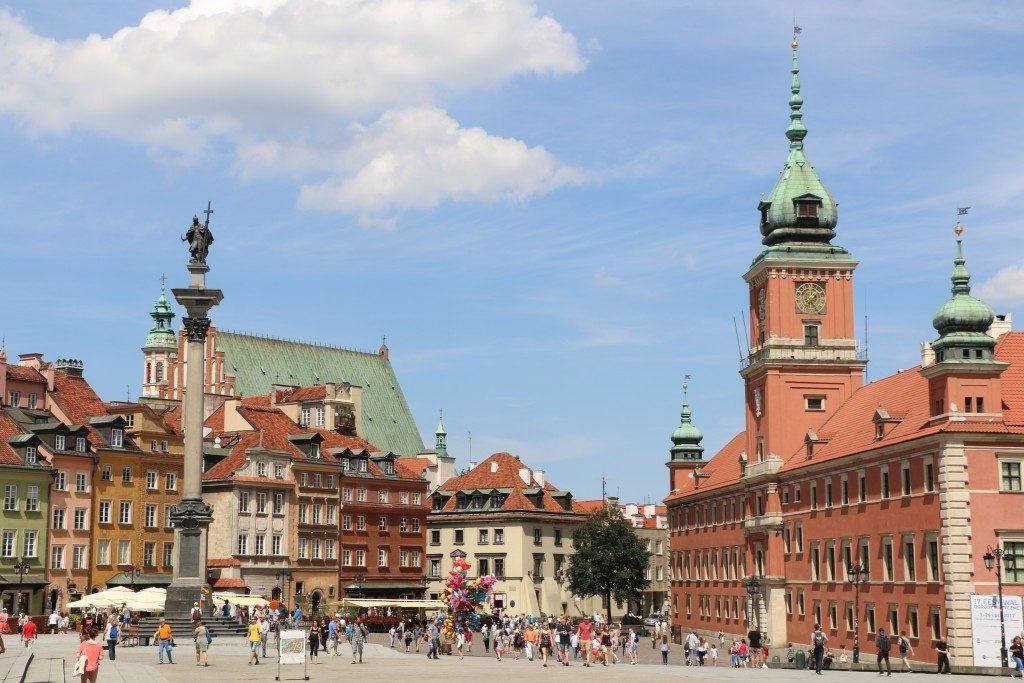 El Castillo Real de Varsovia es un palacio barroco-neoclásico y fue ocupado por la realeza hasta 1795. Hoy en día se puede visitar.